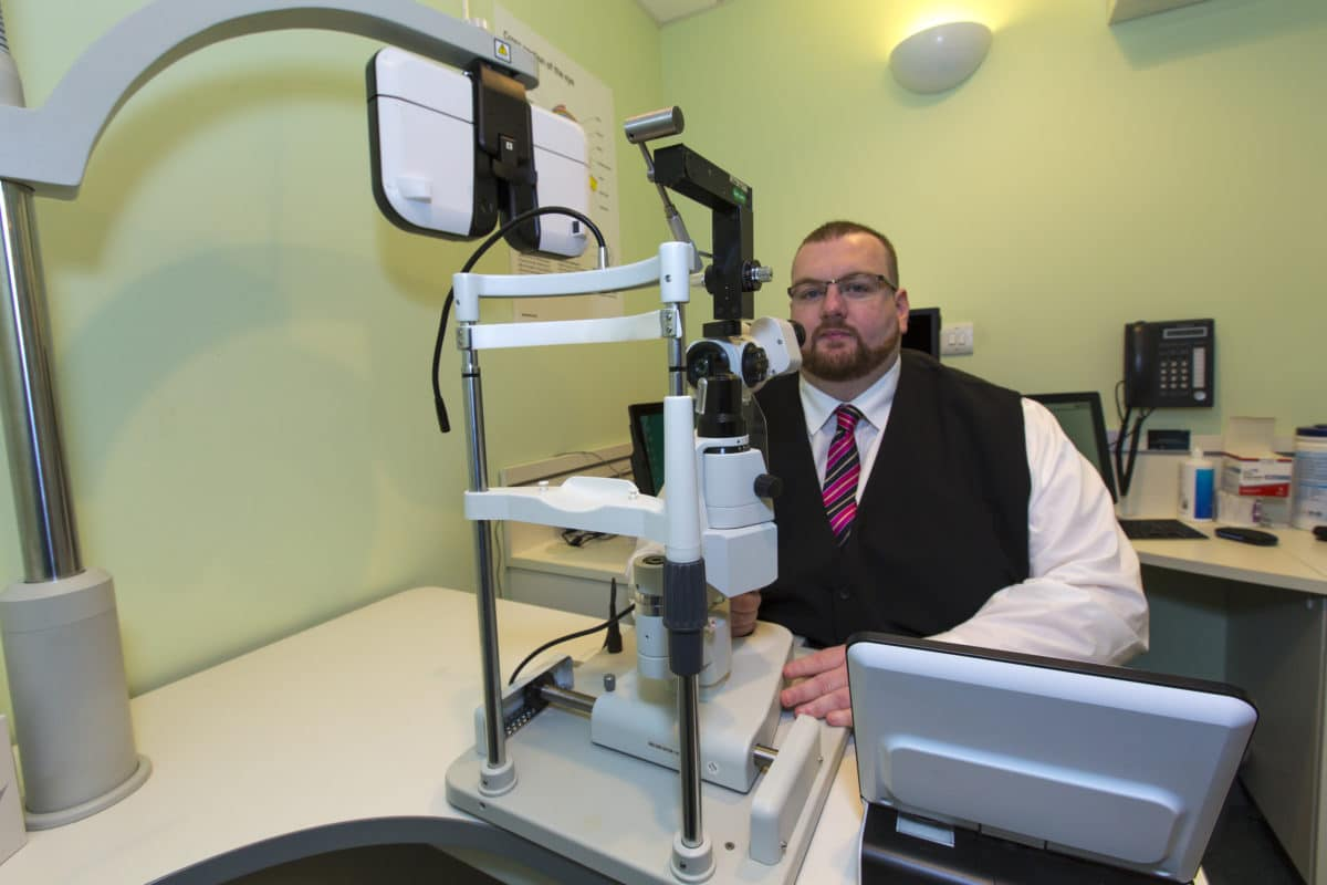 Ian Morris optometrist in Specsavers test room